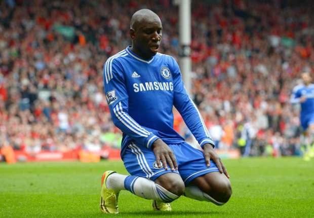 Chelsea, Demba Ba tacle Mourinho après son licenciement