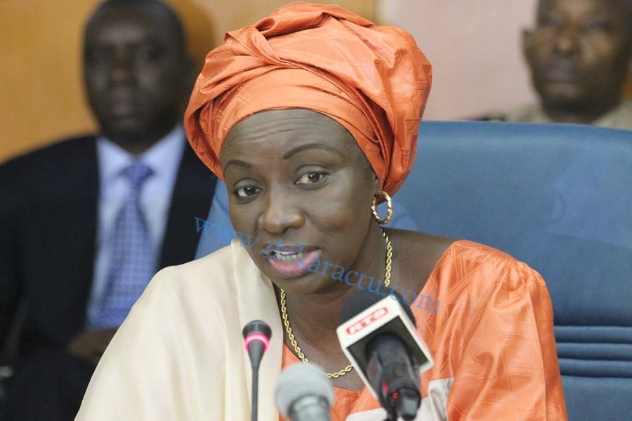 """Aminata Touré, ancienne directrice de cabinet du candidat Macky SALL : """"Je suis formelle et catégorique, le candidat Macky Sall n'a reçu aucun soutien financier ni matériel de Mr. Lamine Diack pour l'élection présidentielle de 2012"""""""