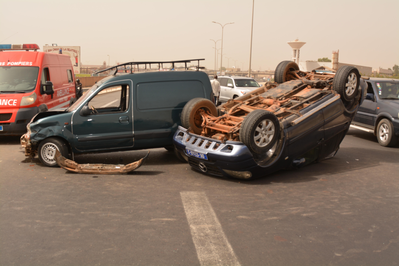 Accident sur l'autoroute à péage (IMAGES)