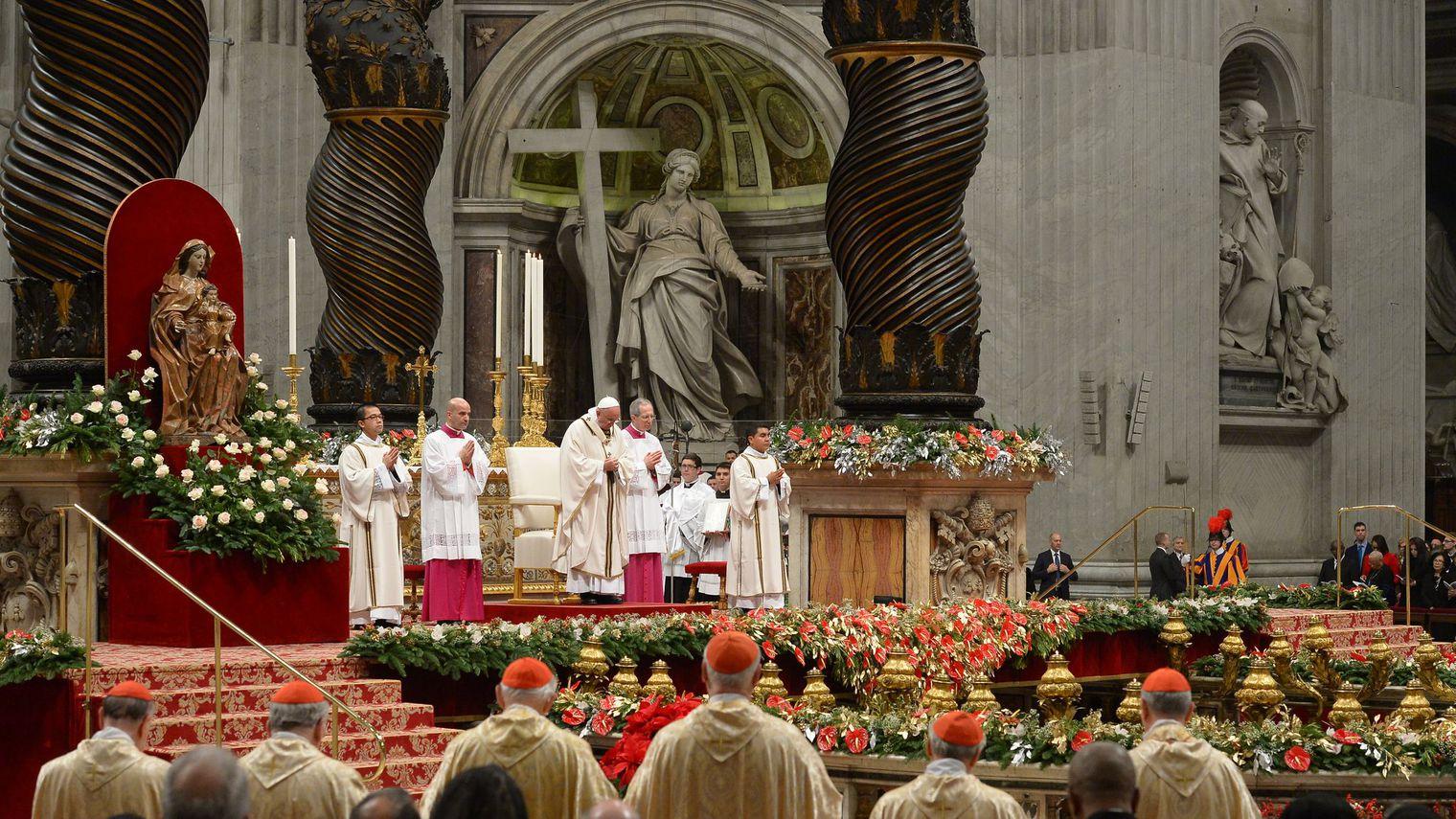 Les catholiques du monde entier célèbrent Noël sur fond de tensions