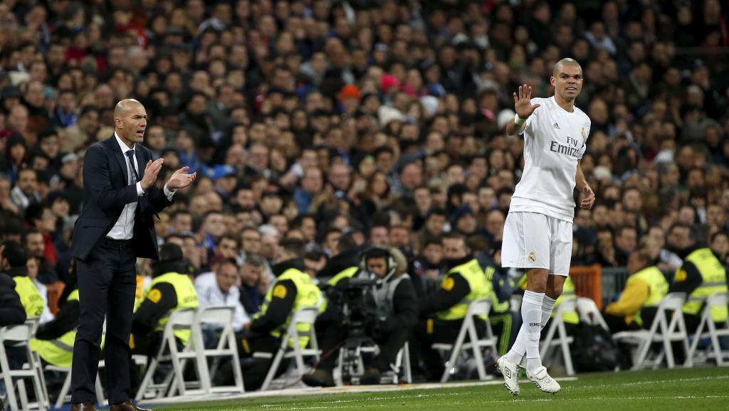 Zidane gagne 5-0 pour ses débuts avec le Real Madrid