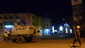 """Attaque d'un hôtel de Ouagadougou : """"des victimes et des otages"""", selon un ministre burkinabé"""