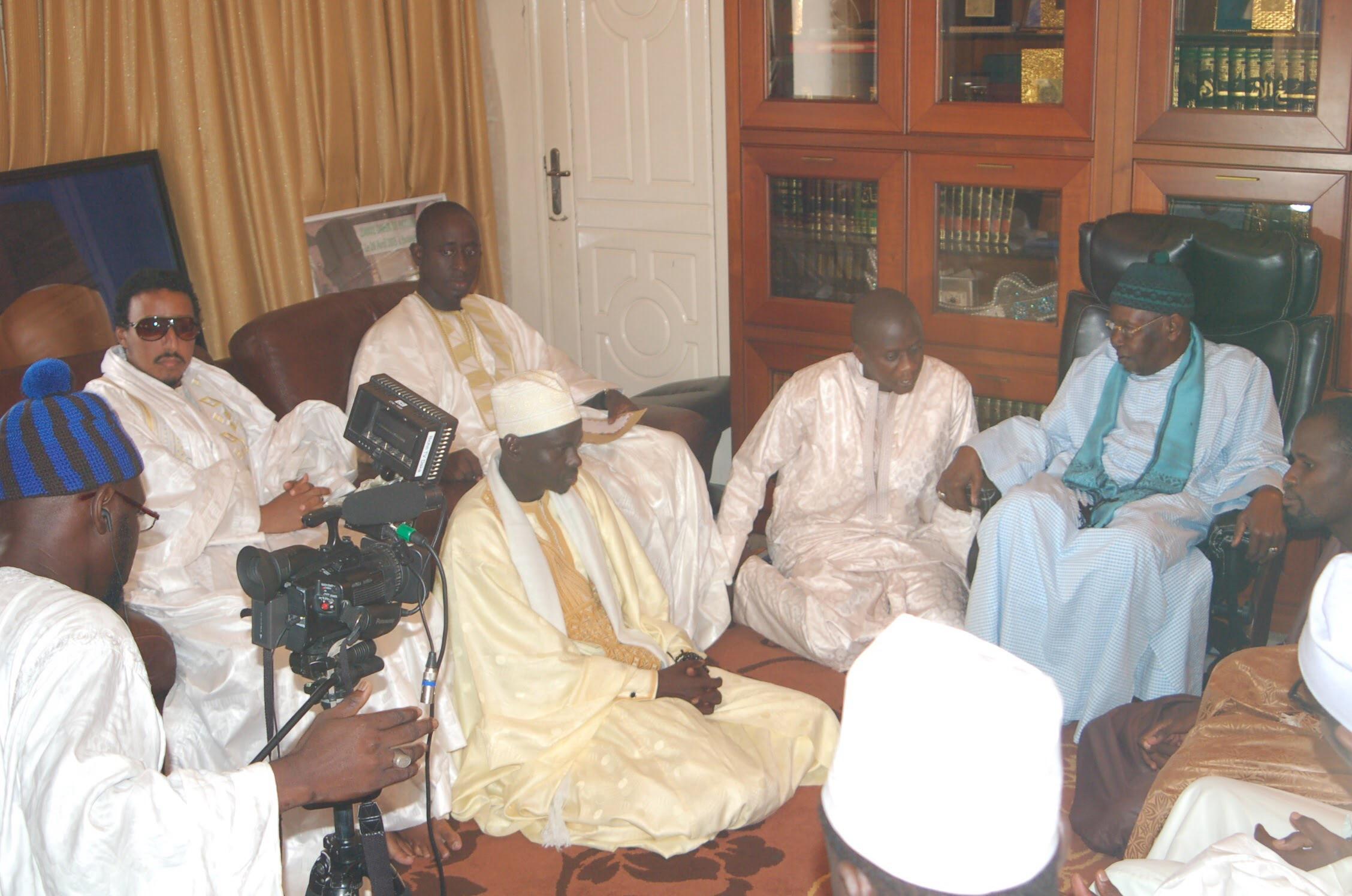L'Association Islamique pour servir le Soufisme (A.I.S)  en lutte contre la dépravation des mœurs, l'extrémisme religieux et la violence
