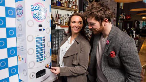 Ce distributeur de préservatifs analyse d'abord votre haleine