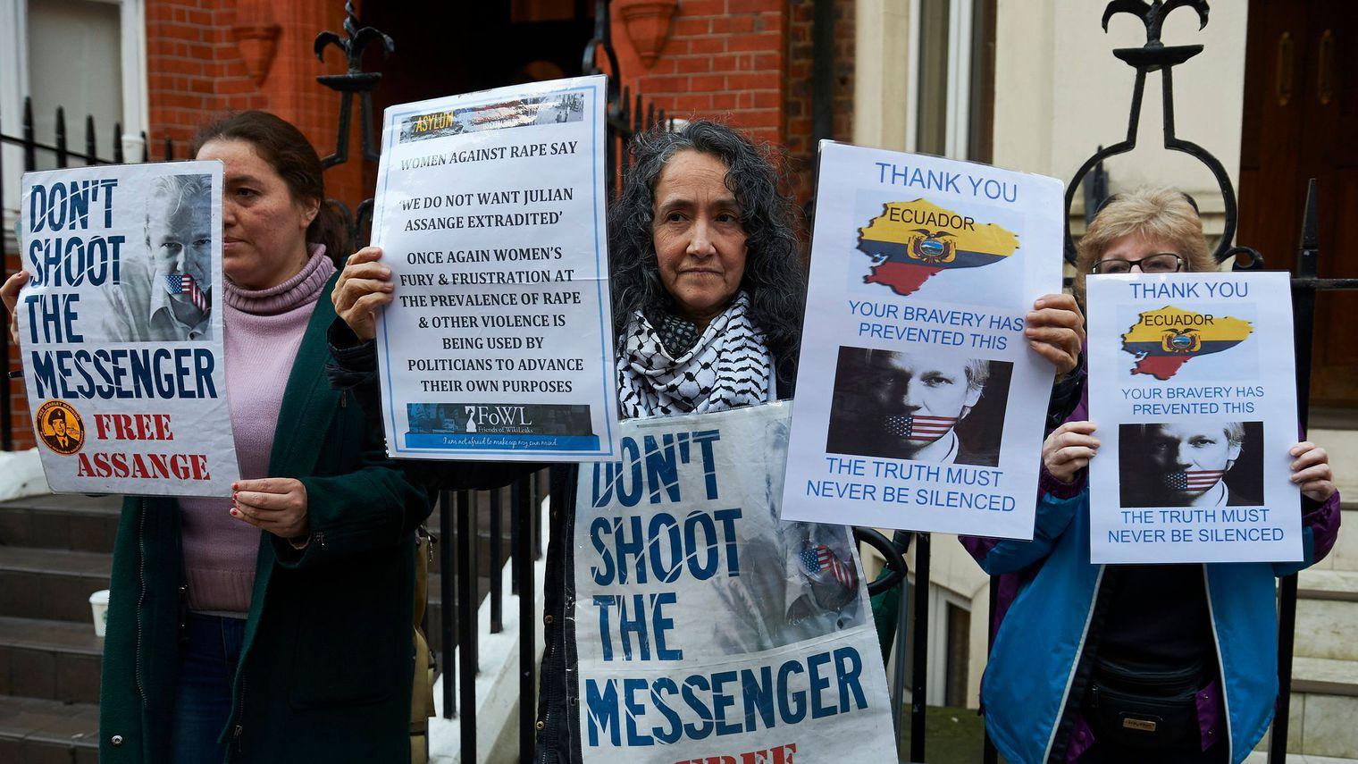 """Londres """"rejette"""" la décision de l'Onu sur Assange"""