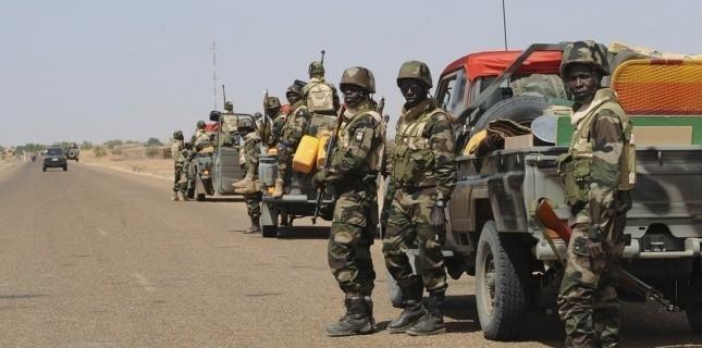 Mali: trois militaires maliens tués, deux blessés par une mine dans le Centre