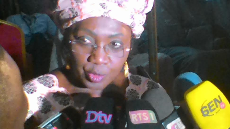 AMINATA TALL A LA SUITE DE MOUSTAPHA NIASSE : « Je vote Oui pour le référendum »
