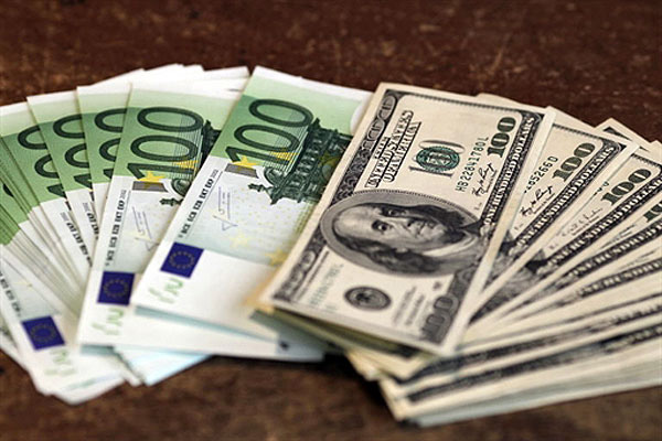 Euro / US Dollar : 5 bonnes raisons de ne pas acheter l'Euro