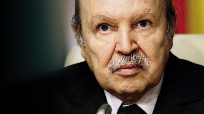 Algérie: Bouteflika réaffirme son soutien à l'autodétermination du Sahara occidental