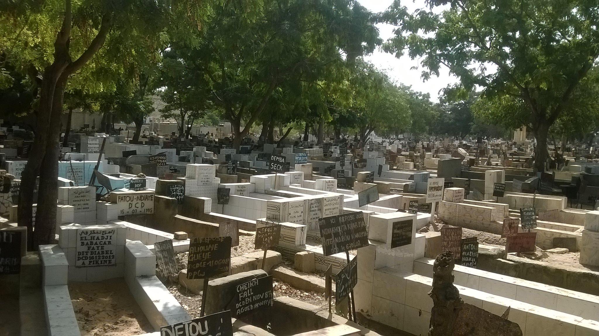 PROFANATION DE TOMBE AUX CIMETIÈRES DE PIKINE : Le corps d'une vieille dame exhumé
