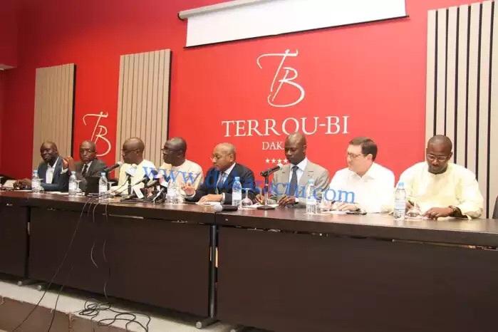 BIZARRERIE : Pourquoi les avocats de l'Etat du Sénégal tiennent une conférence de presse contre Karim Wade à Paris?