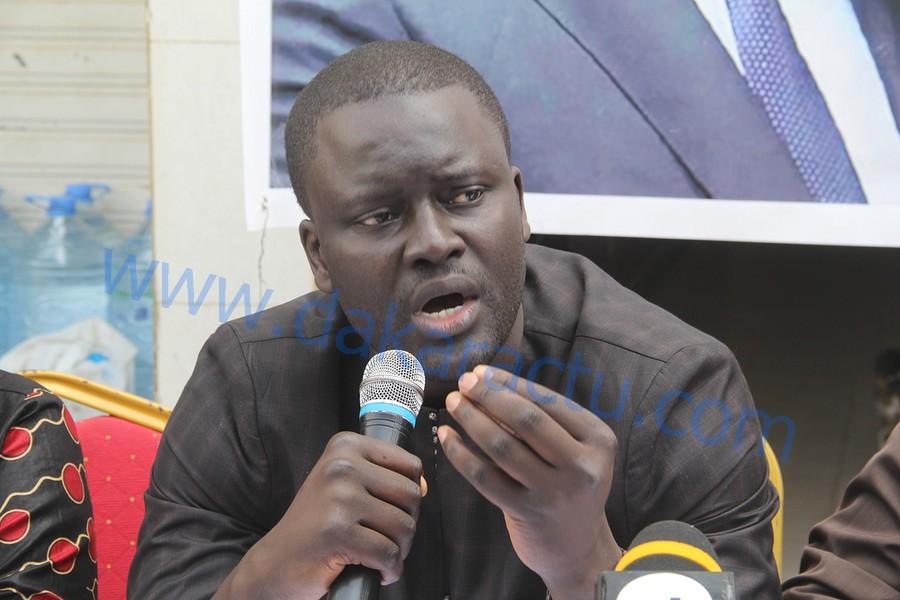 Grand Yoff : Le DG de l'ADIE initie avec les jeunes de la Cojer une séance d'explication sur le référendum