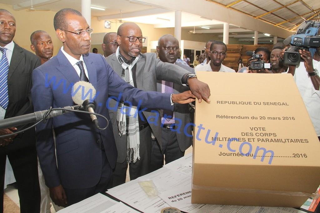 Abdoulaye Daouda Diallo visite le matériel électoral : « Il est possible de travailler à conserver le matériel au moins pour pouvoir le réutiliser »