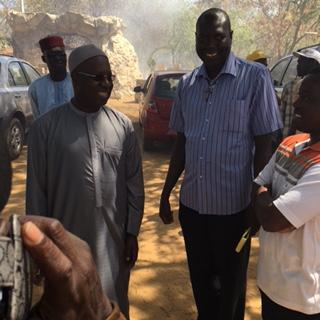 Pâques 2016 : Abdou Karim Sall remet des dons à la communauté chrétienne de M'bao