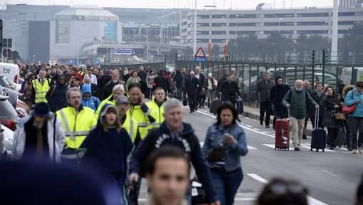 En direct: attentat suicide à Zaventem, bilan actuel de 13 morts et 35 blessés. Deux explosions dans le métro bruxellois