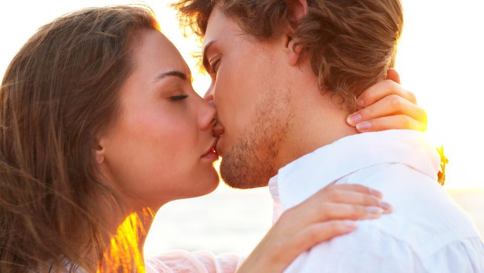 Pourquoi fermons-nous les yeux lors d'un baiser?