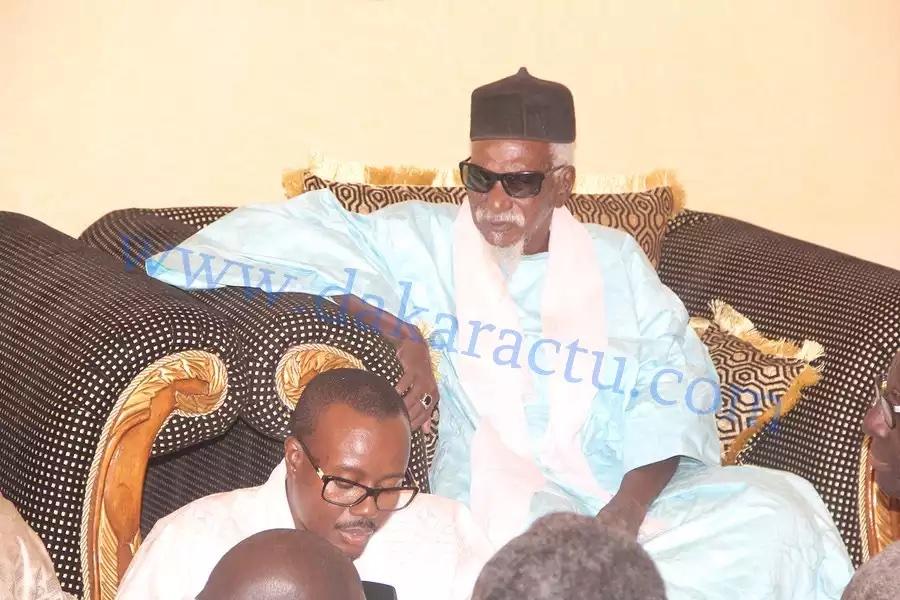 """Le Khalife des mourides défend Macky Sall devant ses détracteurs : """" Vous m'avez fait mal en huant mon invité qui est le président de la République du Sénégal """""""