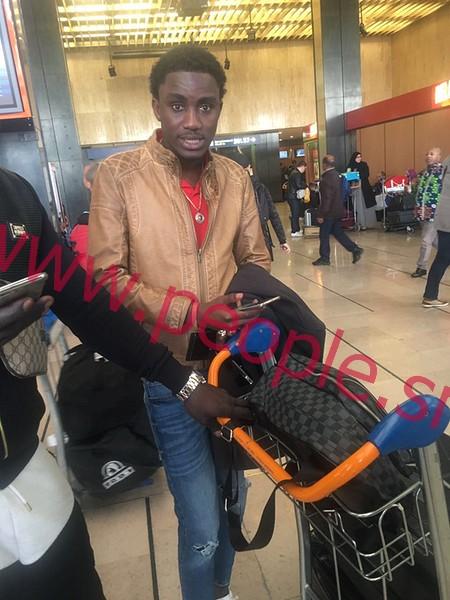 Arrivée de Wally à l'aéroport Orly Sud de Paris