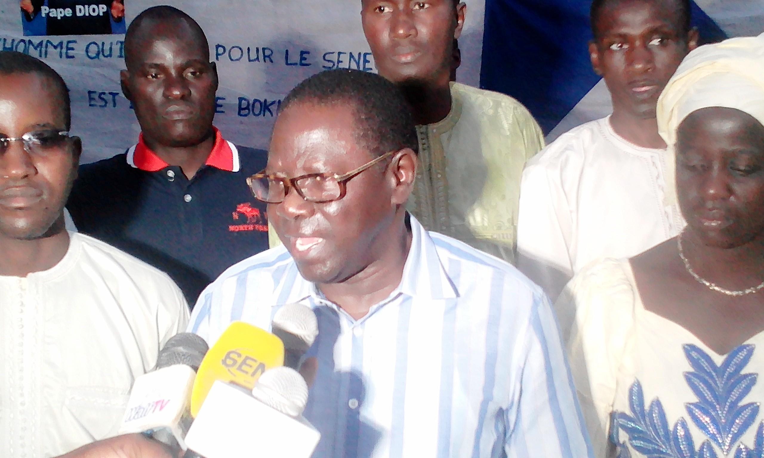 PAPE DIOP TIRE A NOUVEAU : « Il n'y a rien à Fatick et à Gossas d'où sont issus le Pr et le Pm… Si j'étais Macky, Serigne Mbaye Thiam… Jammeh doit être remis à sa place! »