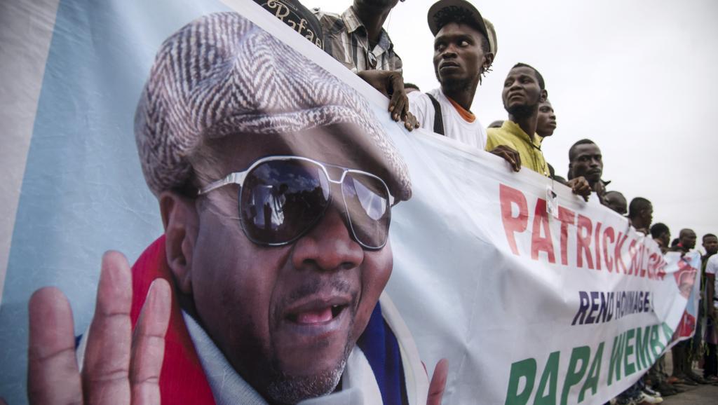 Mort de Papa Wemba : Le pouvoir congolais veut « des obsèques dignes de son rang »