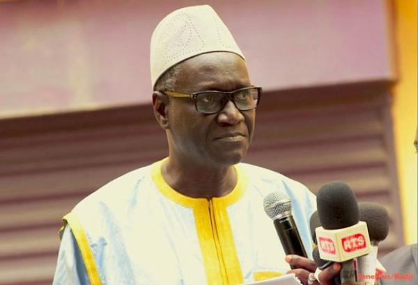 MANSOUR SY : « Les cahiers de doléances ont été vidés… L'accord avec les enseignants ne parlait pas de rappel… L'Etat fait des pressions sur le liquidateur d'Air Afrique »