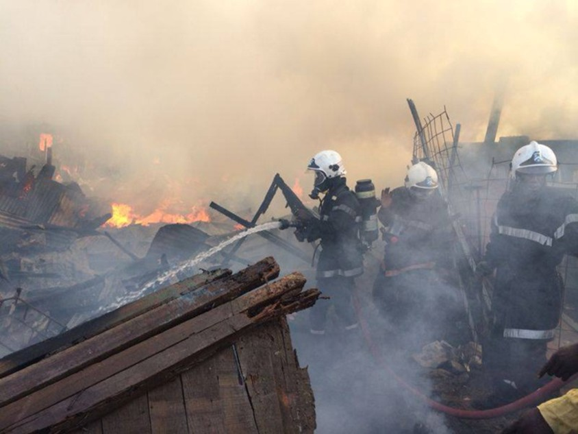 PARC LAMBAYE BOUNTOU PIKINE ENCORE EN FEU : Un incendie ravage plus 20 places d'affaires