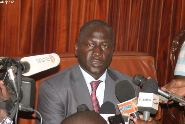 Affaire Bictogo : Le journaliste Adama Gaye dénonce