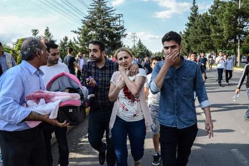 Trois morts et 22 blessés dans un nouvel attentat contre la police en Turquie