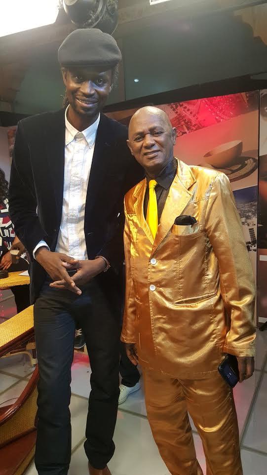 """INSOLITE : """"Il me faut le nom du tailleur de Alias Diallo """" Quand Xuman se moque du costume du chanteur de Salsa"""