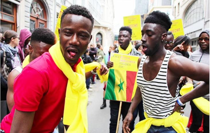 Gaypride à Bruxelles…Les homos sénégalais défilent avec le drapeau du Sénégal