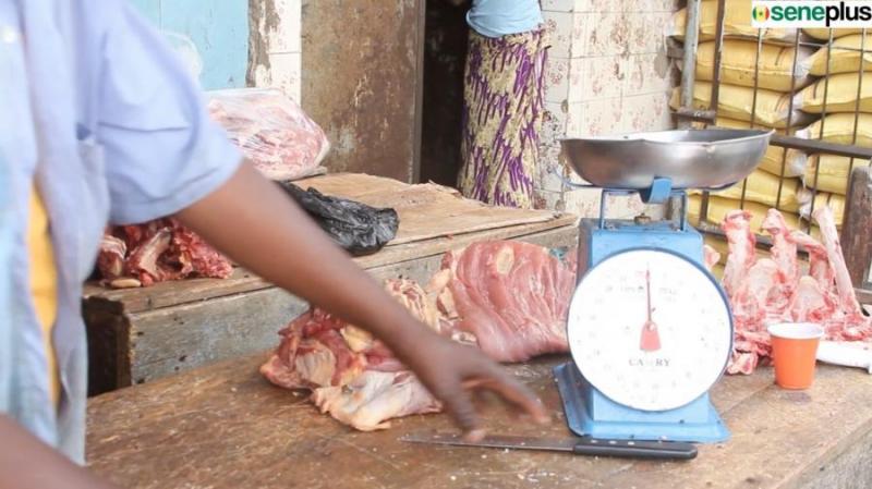 """""""LES ABATTOIRS CLANDESTINS CAPTENT 50% DU MARCHÉ"""" (Talla Cissé, directeur général de la Société de gestion des abattoirs du Sénégal)"""