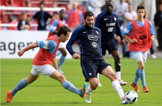 Euro 2016 : alerte pour Gignac, blessé lors d'un match d'entrainement