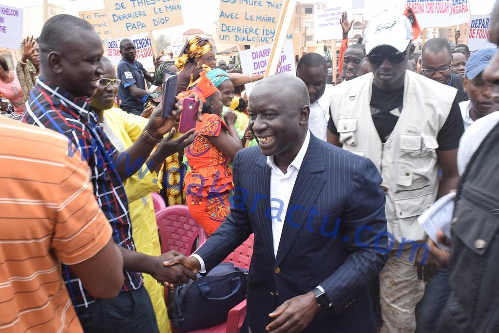 Les images de la réunion de Rewmi  présidée par Idrissa Seck sur le dialogue national