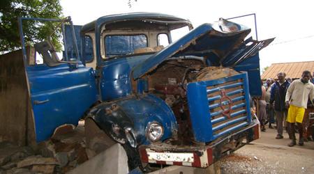 Drame à Koumpentoum : Un camion tue un enfant et en blesse un autre.