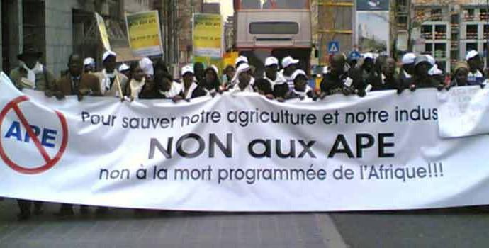 5 militants de la coalition « Non aux APE »  arrêtés cet après midi