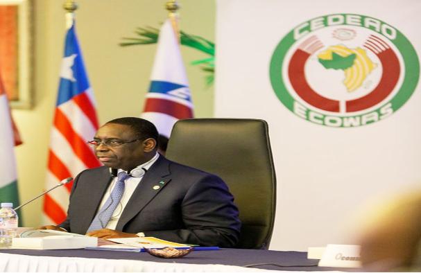 Les précisions de Macky Sall sur la sécurité en Afrique de l'Ouest : « Il n'y a aucun Etat islamique en Afrique de l'Ouest correspondant aux visées terroristes de Boko Haram »