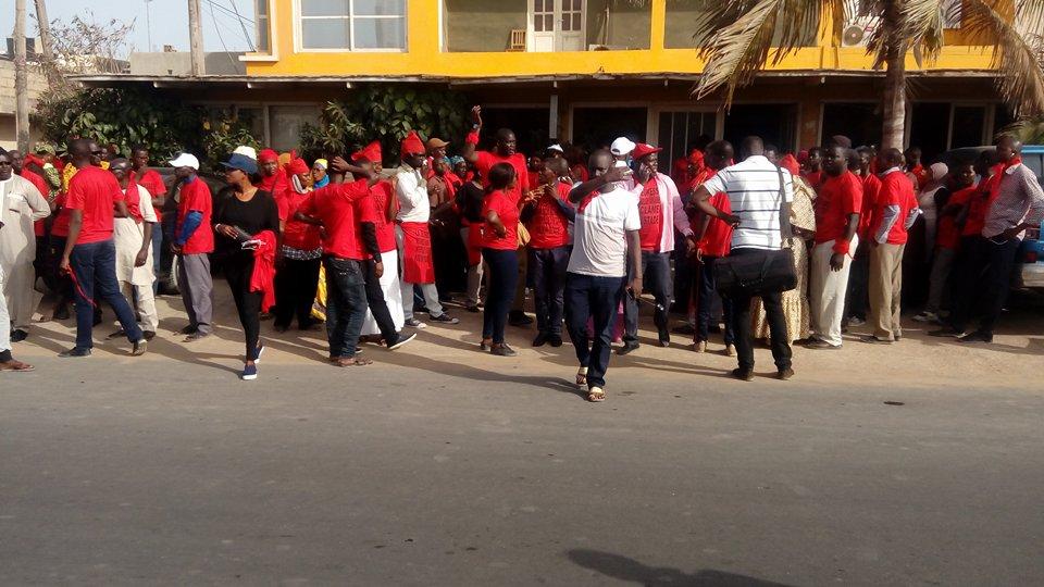 Manifestations contre Moussa Sy : 11 millions de FCFA pour une retraite à Saly, objet du courroux de la jeunesse parcelloise