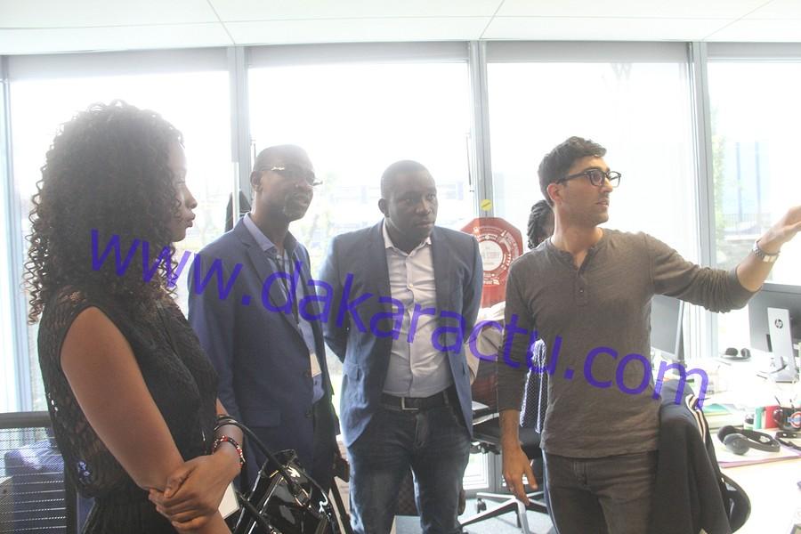 A Paris, l'équipe de Dakaractu reçue par les responsables de France Médias Monde