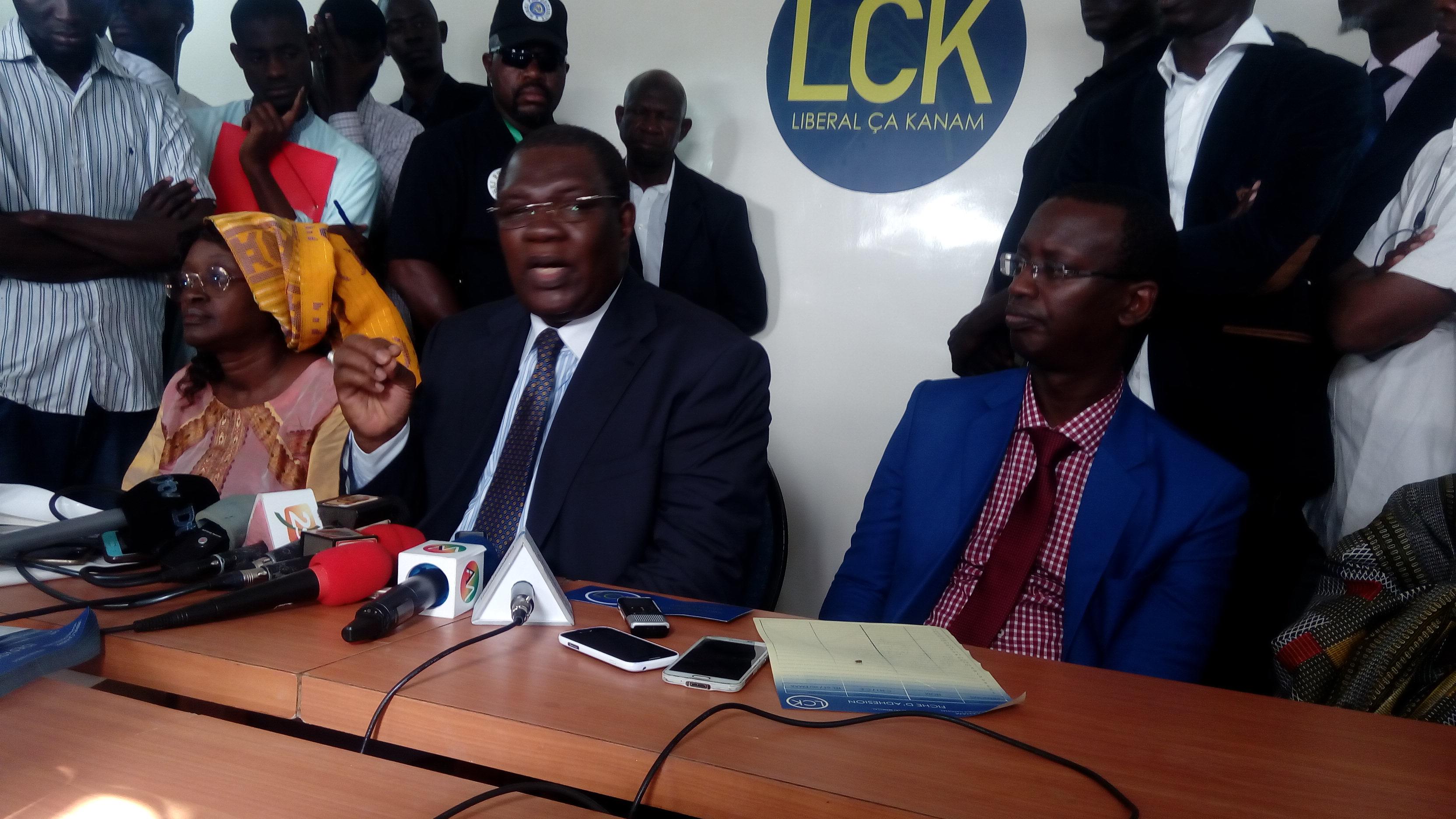 Ousmane N'gom, Président du mouvement Libéral Ca Kanam, lors de l'ouverture de sa permanence : « Nous avons tourné le dos à la politique politicienne…»