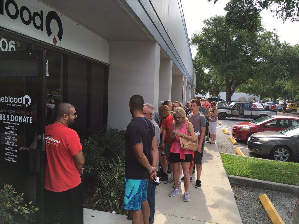 FUSILLADE DE FLORIDE : Les habitants repondent «présent» aux appels au don du sang