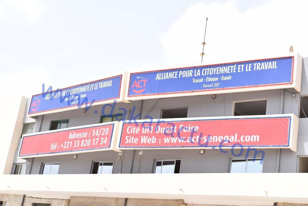Abdoul Mbaye passe à la vitesse supérieure