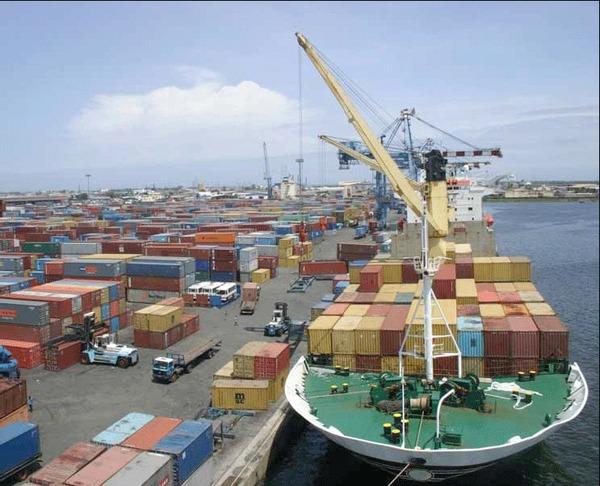 TRAFIC DE CONTAINERS DE CIGARETTES : Coup de filet de la Douane au Port