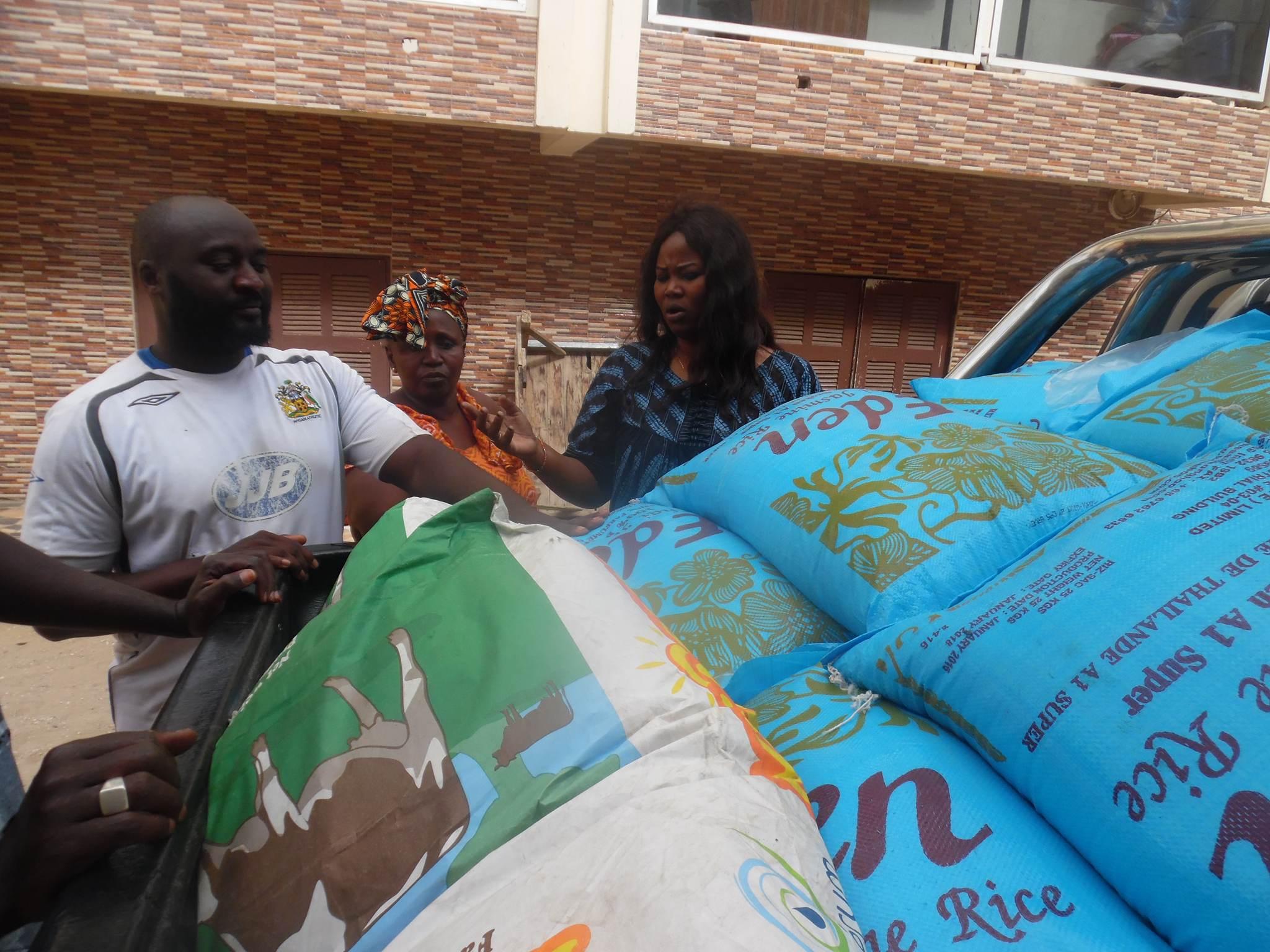 GRAND-YOFF : La présidente de l'UDES/R, Fatoumata Niang, s'investit dans le social