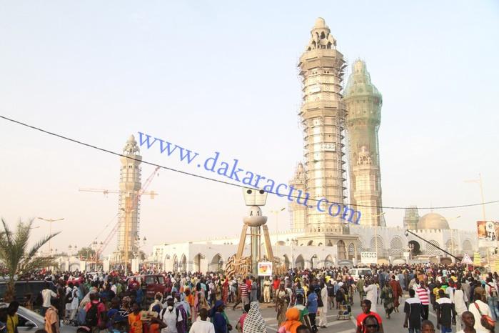 TOUBA - MARDI 21 JUIN ENTRE 10 H ET 11 HEURES : 213 mendiants aux alentours de la grande mosquée.