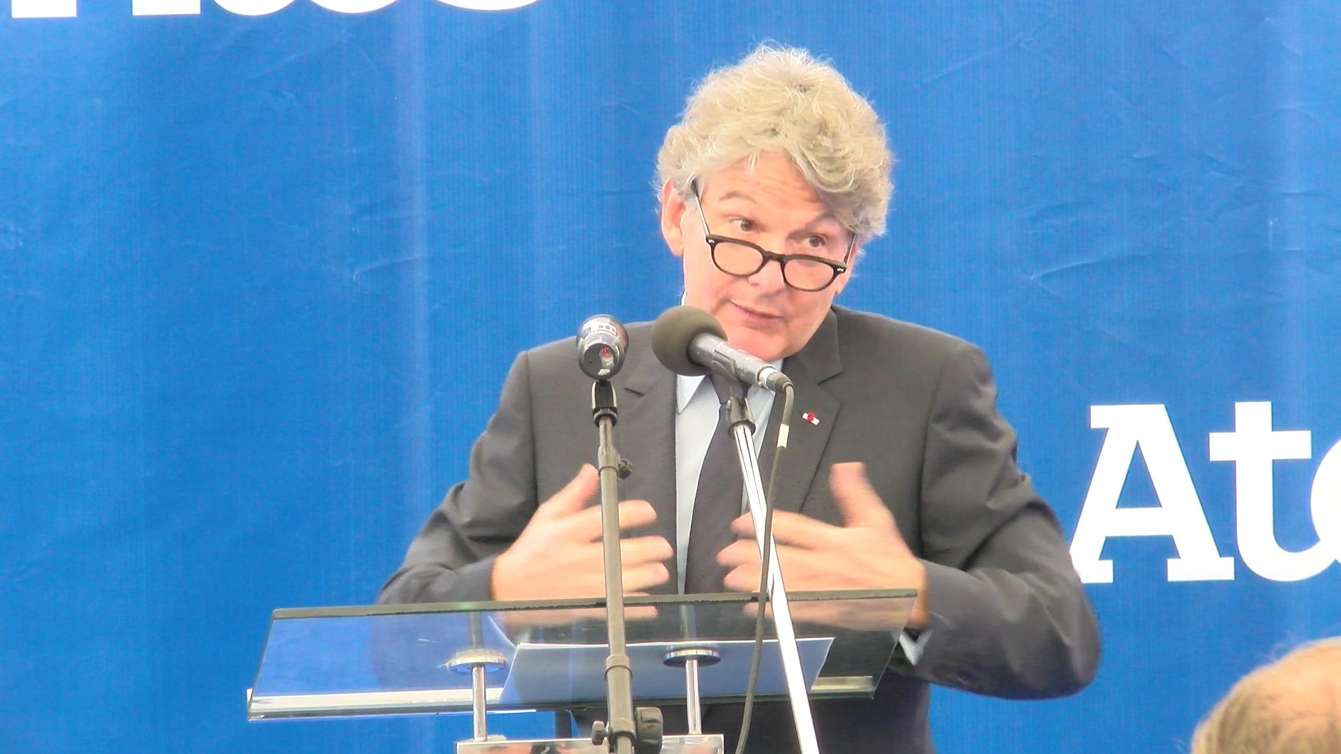 Inauguration du Centre Numérique des Services Atos Sénégal : Thierry Breton promet une réfection du lycée Mariama Bâ