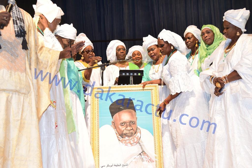 Les images du lancement de l'Association des Femmes Deuggu Ak Liguèye (AFDAL) et la conférence religieuse de Mme Anta Sarr Diacko au Grand Théâtre