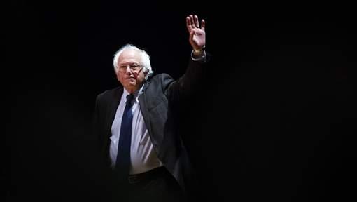 Bernie Sanders soutient officiellement Hillary Clinton