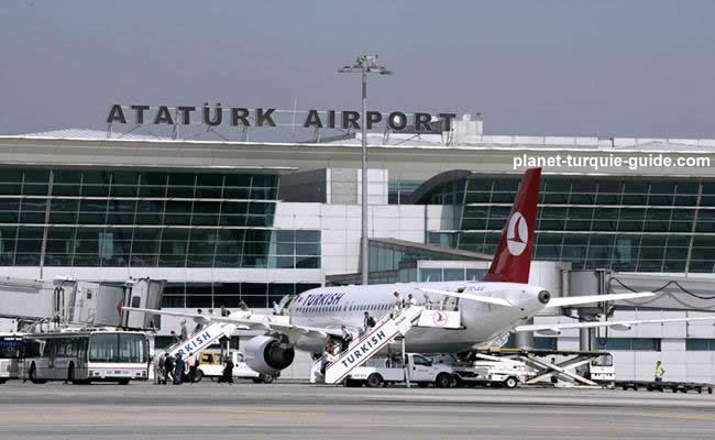 Turquie : explosion et fusillade à l'aéroport Atatürk d'Istanbul (médias turcs)