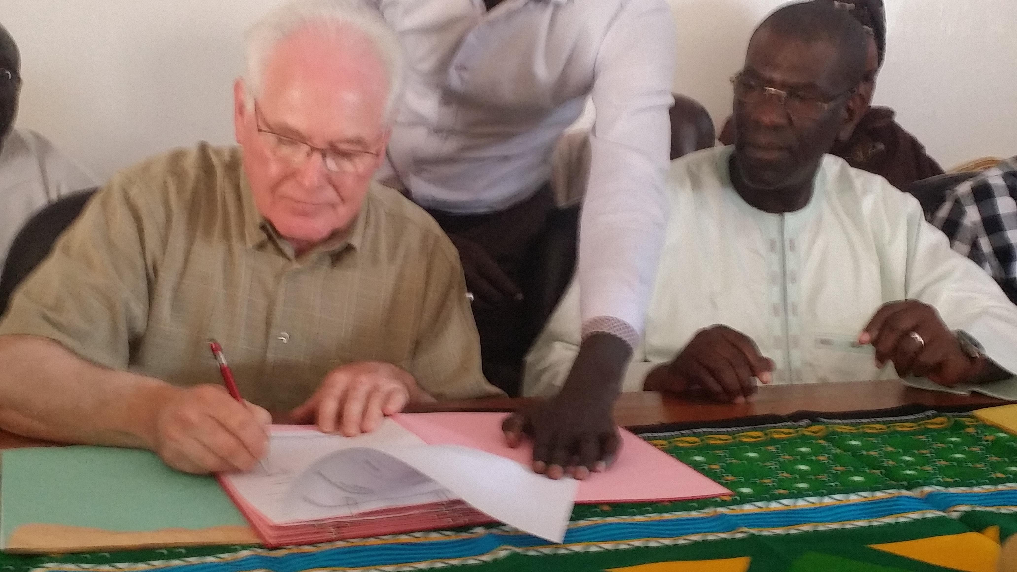 BIBLIOTHÈQUE MUNICIPALE DE PIKINE : Un partenariat pour un équipement de 60.000 ouvrages