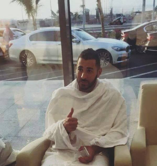 Benzema à la Mecque pour le petit pèlerinage (Omra)